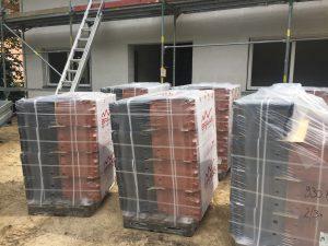 Lieferung Dachsteine BRAAS vulkanschwarz zahnabau