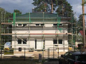 Stadtvilla fertiges Dach zahnabau
